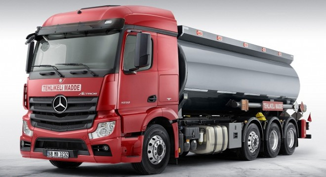 TECHNICAL CARRYING CAPACITY OF MERCEDES-BENZ 8X2 ADR